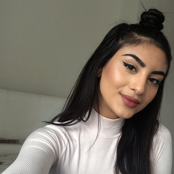 <p>@denizgoksen</p> <p>Deniz Goksen is another prime example of how the internet can work in strange ways, she posted a single photo of herself which received hundreds of thousands of hits (we can see why) and now the teenager from London has over 90k followers. </p>