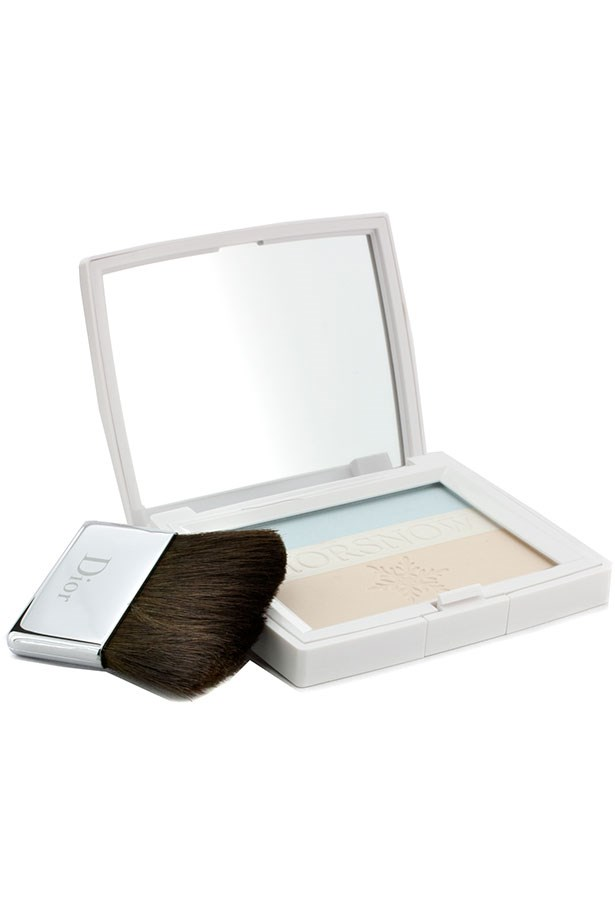 """<em>""""One dusting of this <a href=""""http://shop.davidjones.com.au/djs/en/davidjones/diorsnow-skin-bloom-powder"""">Dior perfecting powder </a>is the perfect way to take you from relaxed day look to effortlessly chic (and selfie ready) evening look!""""</em> <BR> <BR> <strong>Laura Disibio, Fashion Office Coordinator </strong>"""