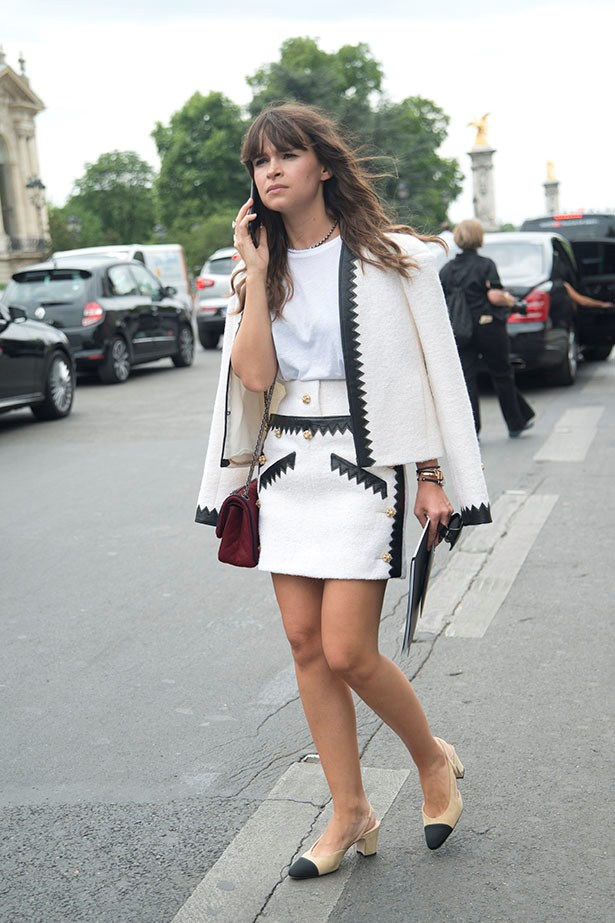 Miroslava Duma keeps it super chic and ladylike look with hers.