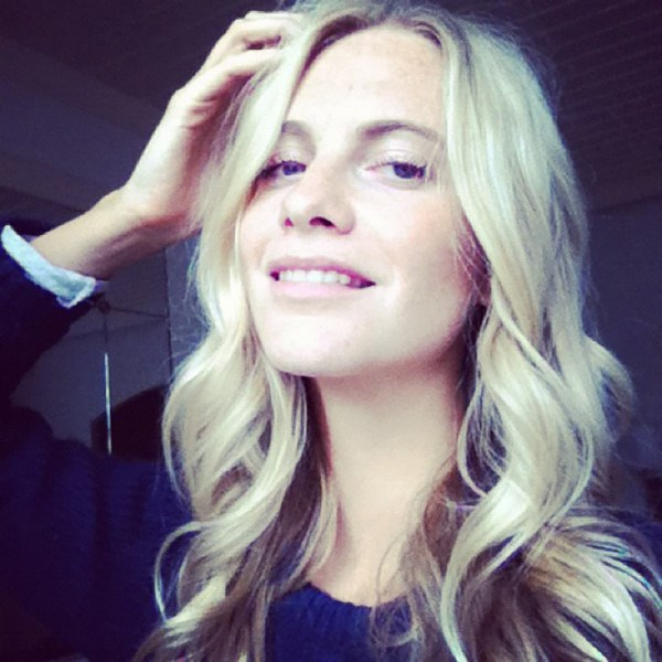 <em><strong>POPPY DELEVINGNE</strong></em> <p> Poppy opened the doors to her 'gram with a selfie that would make her sister proud.