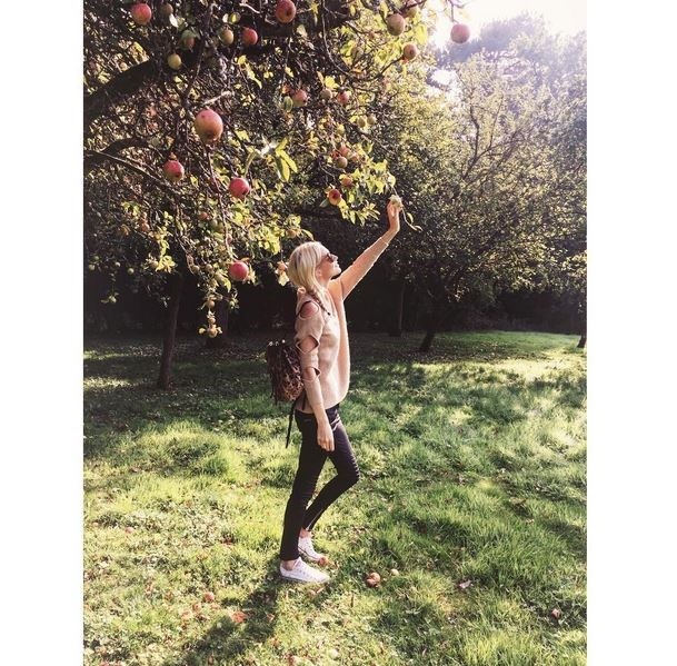 <em><strong>POPPY DELEVINGNE</strong></em> <p> And she's still taking them - with added apples.