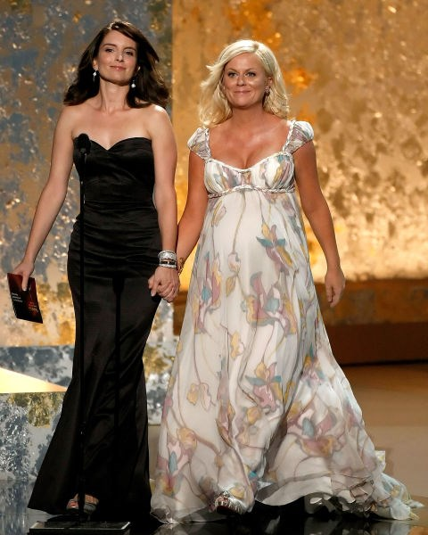 <strong>TINA FEY AND AMY POEHLER</strong>