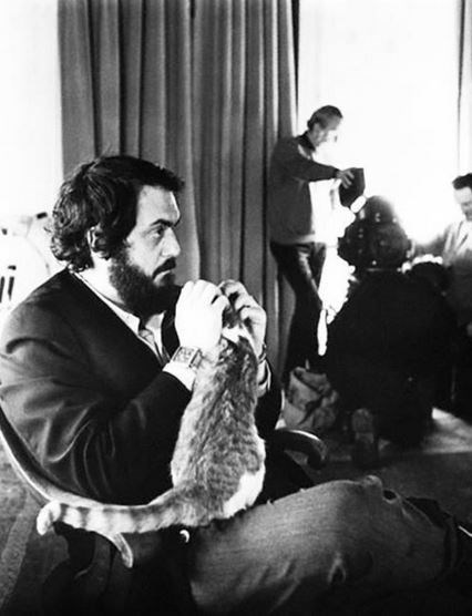 "<strong>A Clockwork Orange (1971)</strong> <br> <br> Director Stanley Kubrik taking a break with one of the cats from the film. <br> <br> Image: <a href=""https://twitter.com/MakingOfs/status/649311519923130368/photo/1"">Twitter</a>"