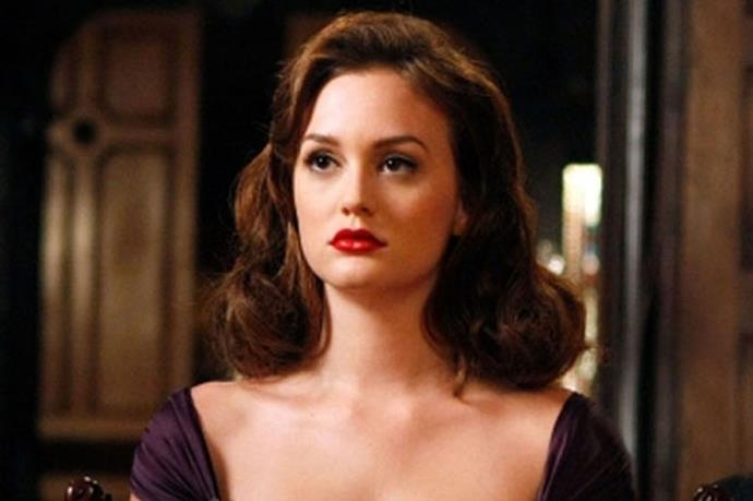 <strong>#7: The Hollywood glamour look never gives-up</strong> <br> <br> When in doubt, red lip it out