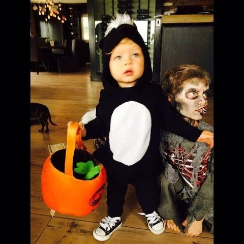 <strong>FERGIE AND JOSH DUHAMEL'S SON, AXL</strong> <br> As a skunk.