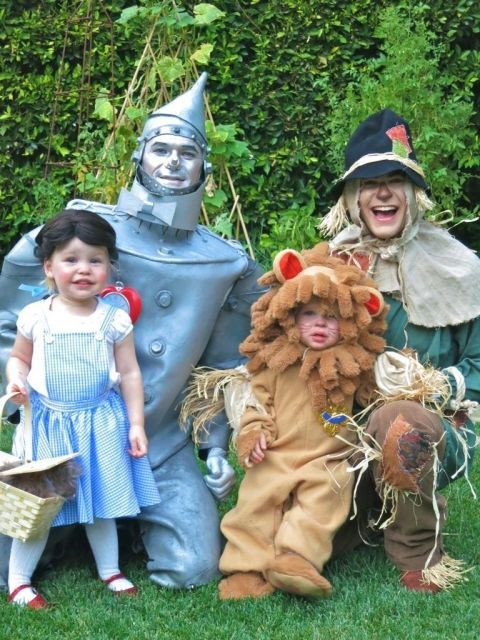 <strong>NEIL PATRICK HARRIS AND DAVID BURTKA'S TWINS, HARPER AND GIDEON</strong> <br> As Dorothy and the Cowardly Lion from 'The Wizard of Oz.'