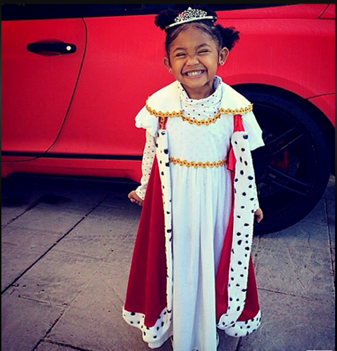 <strong>CHRISTINA MILIAN'S DAUGHTER, VIOLET</strong> <br> As a princess.