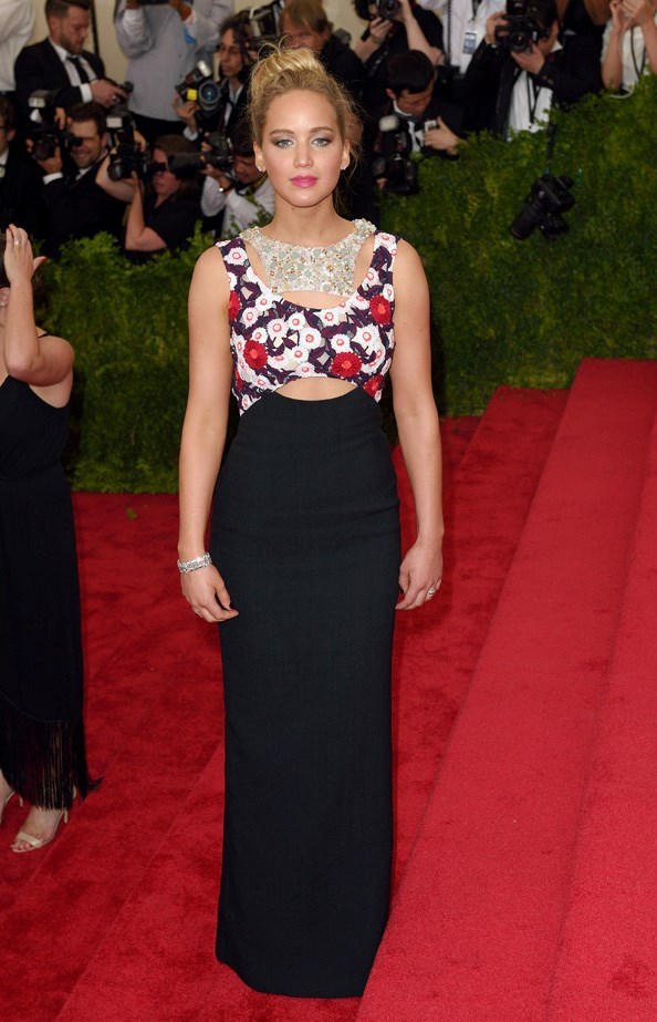 Jennifer Lawrence in an embezzled Dior dress.