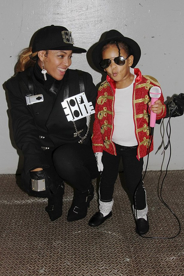 Beyonce as Janet Jackson and Blue Ivy as Michael Jackson.