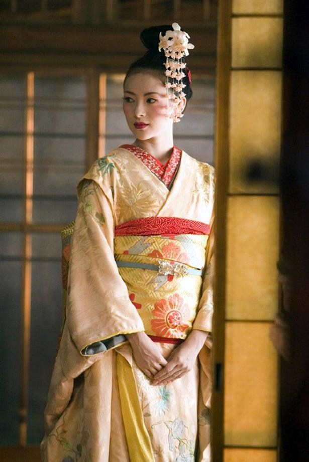 <em>Memoirs of a Geisha.</em> The costuming in Memoirs of a Geisha was the real hero, and this glorious kimono was a star.