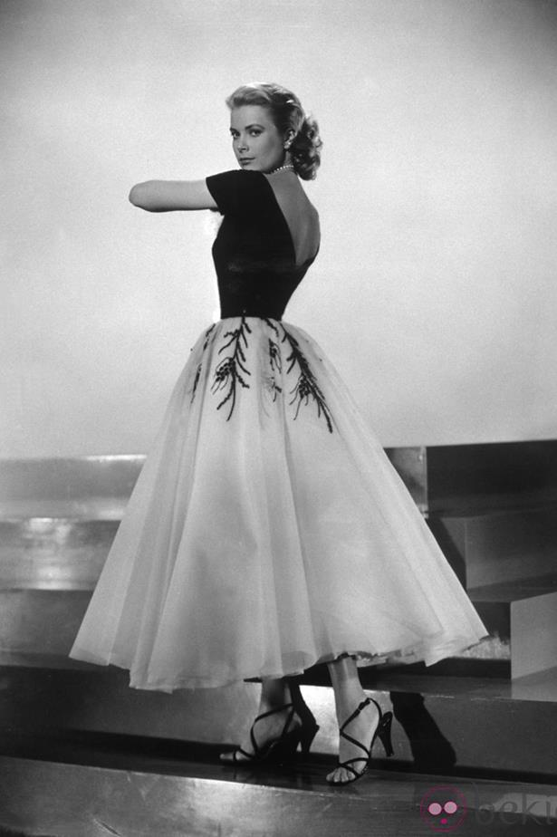 <em>Rear Window.</em> Grace Kelly cut a gorgeous figure in this fit and flare dress with white tulle.