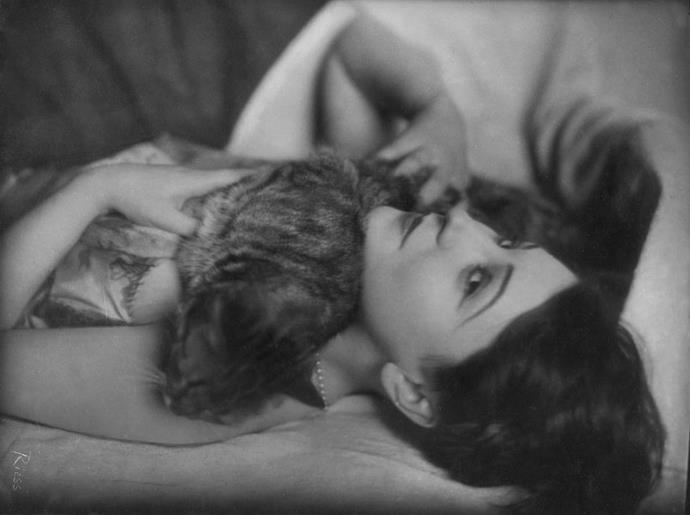 <strong>MADAME FUJITA, 1927</strong>