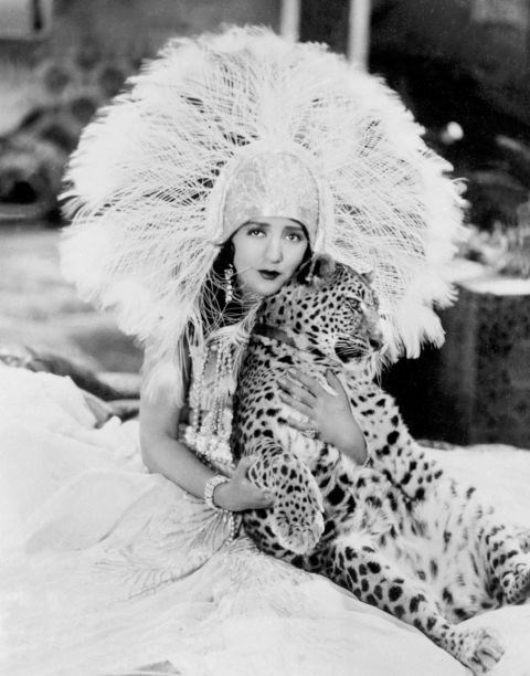 <strong>BEBE DANIELS, 1928</strong>