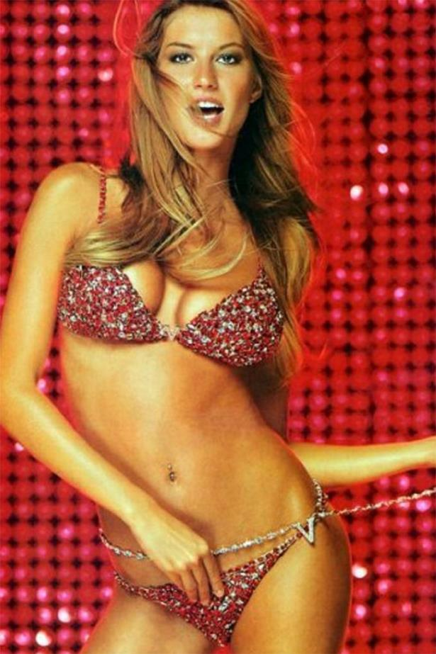 In 2000, Gisele was chosen to wear the 'Red Hot Fantasy Bra and Panties', which cost $15 million, making it the most expensive set in VS history.