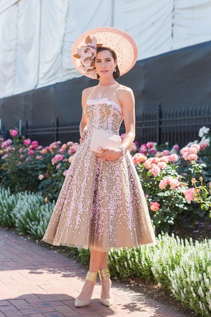 Name: Sarah Dowling Outfit: millinery Latica, dress Medwin Couture, Olga Berg bag Race day: Melbourne Cup 2015 Location: Flemington, Melbourne