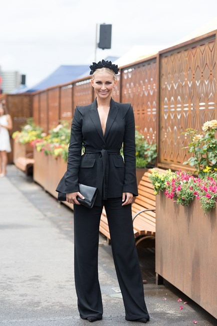 Name: Anna Heinrich Outfit: Yeojin Bae suit, Viktoria Novak headpiece Race day: Derby Day 2015 Location: Melbourne