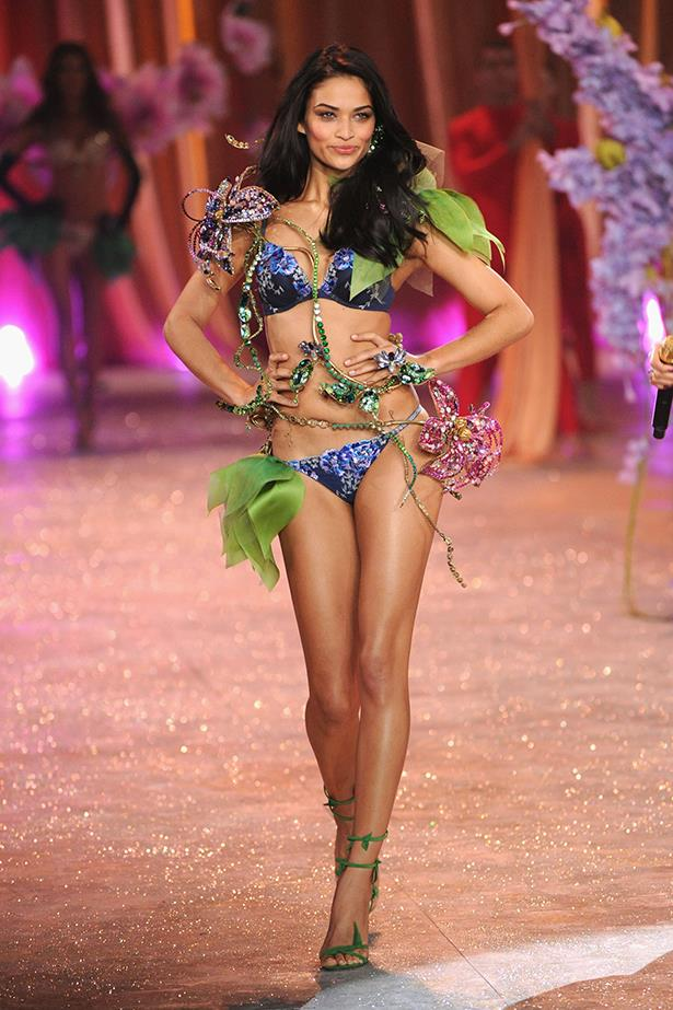 It's no surprise that VS invited <strong>Shanina Shaik</strong> back to to the stage.