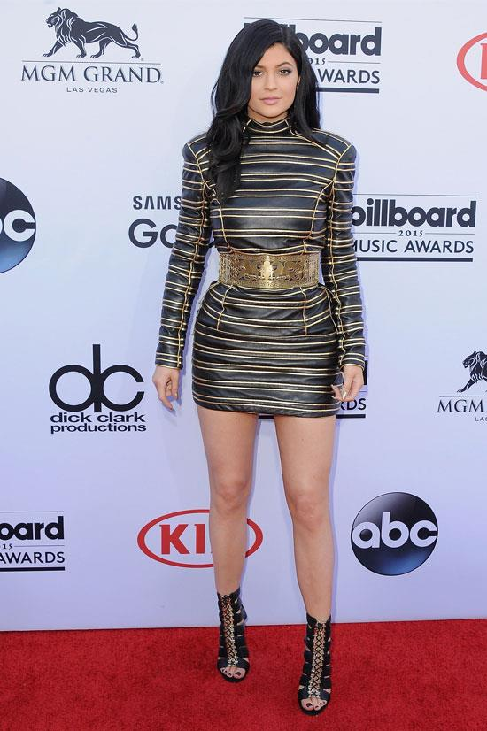 Kylie attends the 2015 Billboard Music Awards.