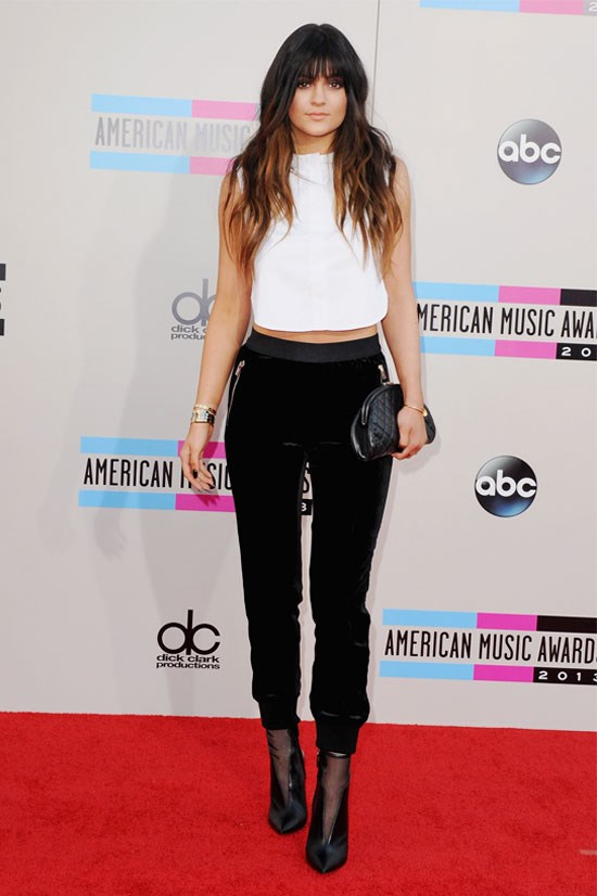 Kylie at the 2013 American Music Awards, with a fresh fringe.