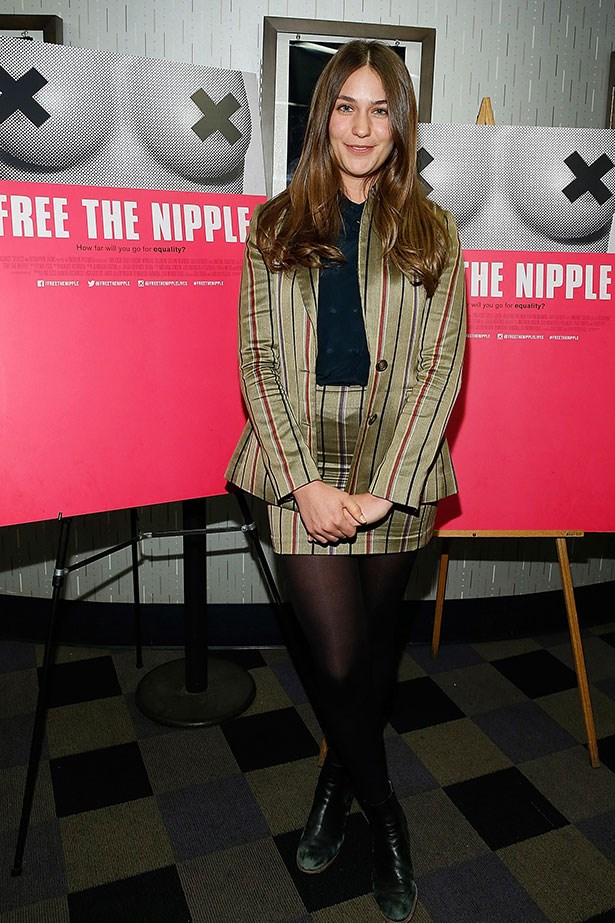 <p>At 25, she's the youngest of three sisters, Jemima Kirke and singer Domino Kirke. Her cousins are Alice Dellal and shoe designer Charlotte Olympia.</p>