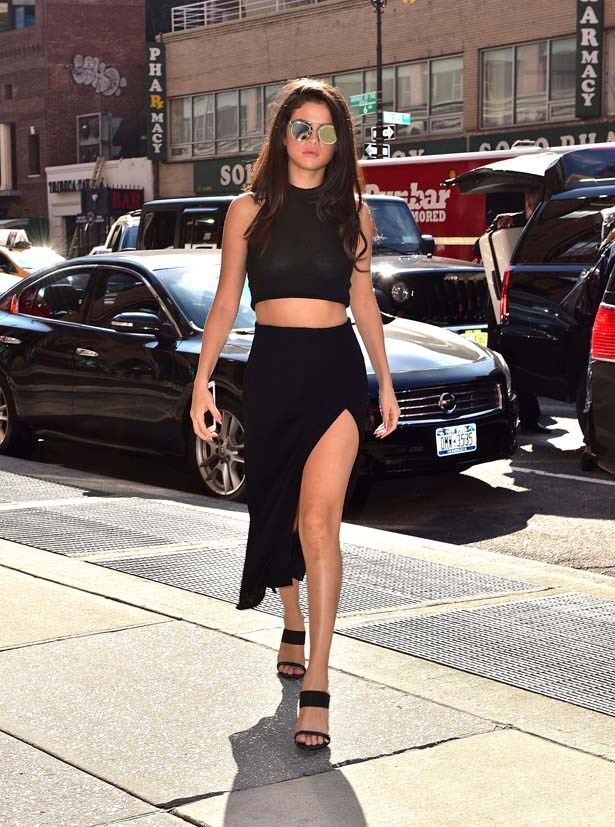 "<strong>Selena Gomez</strong> <br> <br> Selena Gomez is on her way to becoming a style icon, with <a href=""http://www.elle.com.au/news/fashion-news/2015/9/selenz-gomez-pjs-in-paris/"">chic after chic ensemble</a> throughout Paris Fashion Week (not to mention <a href=""http://www.elle.com.au/beauty/skincare-and-makeup-special/2015/9/selena-gomez-is-looking-so-chic-in-paris/"">those pyjamas</a>). 2015 has seen many a thigh-high split, with Selena absolutely rocking the trend."