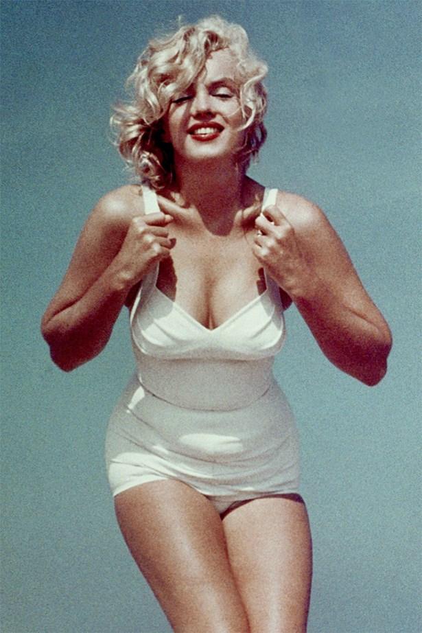 Marilyn Monroe went classic.