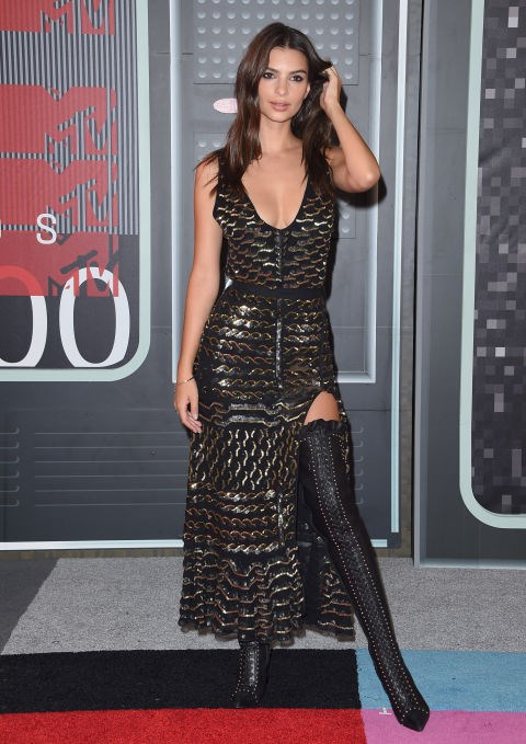 <strong>EMILY RATAJKOWSKI IN ALTUZARRA</strong> <br><br> Attending the MTV Video Music Awards, August 30.