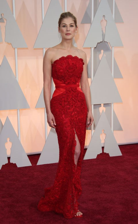<strong>ROSAMUND PIKE IN GIVENCHY COUTURE</strong> <br><br> Attending the 87th Annual Academy Awards, February 22.