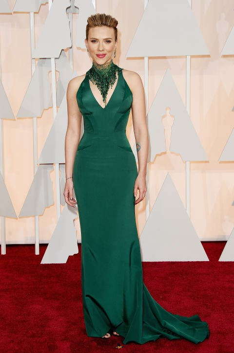 <strong>SCARLETT JOHANSSON IN ATELIER VERSACE</strong> <br><br> Attending the 87th Annual Academy Awards, February 22.
