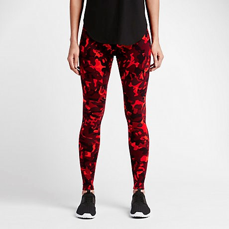 "<strong>NIKE LEGGINGS</strong> <br><br> <a href=""http://www.nikestore.com.au/shop/clothing/women/pants_and_tights/?cp=usns_kw_txt%21g%21c%21br%21e%21nike%2520leggings&k_clickid=f0a7896d-ae3e-4773-a4b3-1ecdc0cdd691&ref=http%25253A%25252F%25252Fwww.elle.com%25252Ffashion%25252Ftrend-reports%25252Fg27402%25252Fbiggest-fashion-trends-2015%25252F%25253Fslide%25253D34"">www.nikestore.com.au</a>"