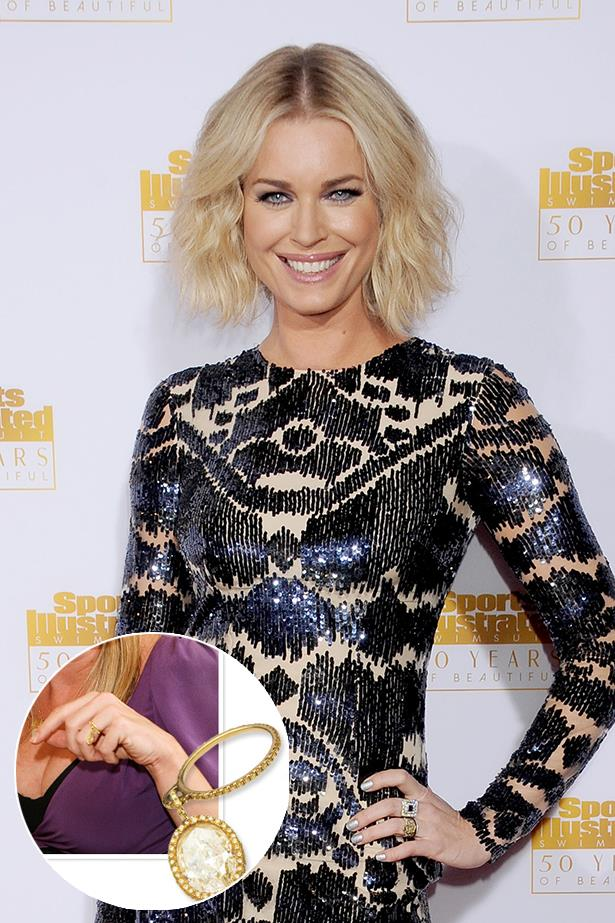 **Rebecca Romijn**<br><br>  After removing it during her pregnancy, Rebecca Romijn had her engagement ring altered, so the stone dangled off the band.
