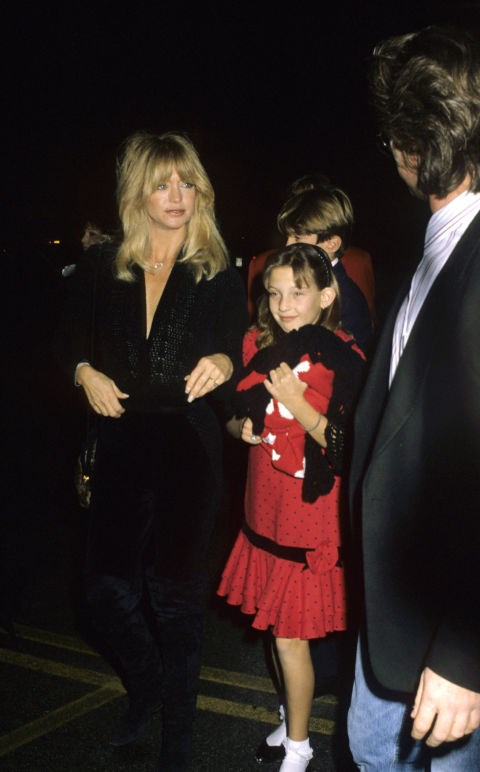 KATE HUDSON, 10, WITH HER MOTHER GOLDIE HAWN At 'Big Sisters Organisation Honors Goldie Hawn' in 1989 GETTY