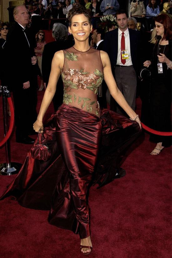 <strong>Halle Berry at the Oscars, 2002</strong> <br><br> It is quite possible Elie Saab could never design a red carpet failure. This was proven to be true at the 74th Academy Awards by none other than Halle Berry.