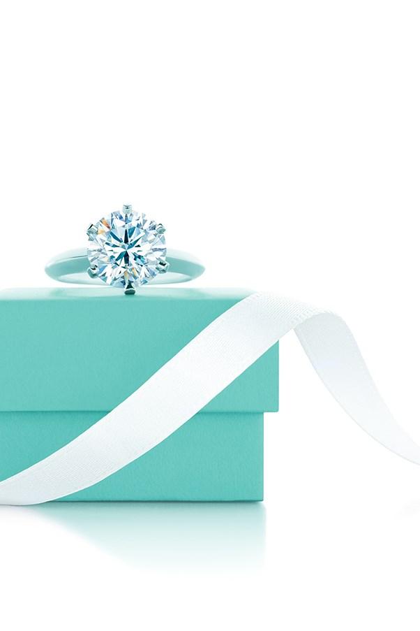 Tiffany & Co Tiffany Setting Diamond on a Tiffany's blue box with ribbon