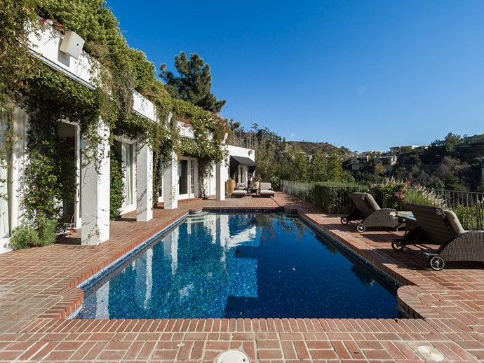 "Image via <a href=""http://www.theagencyre.com/for-lease/1896-rising-glen-road-hollywood-hills/"">The Agency</a>."