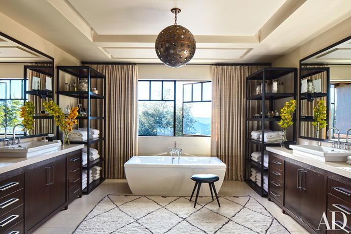 "Image by Roger Davis via <a href=""http://www.architecturaldigest.com/story/kourtney-khloe-kardashian-house-tour"">Architectural Digest</a>."