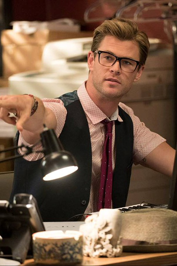 Chris Hemsworth in the new Ghostbusters film as Kevin