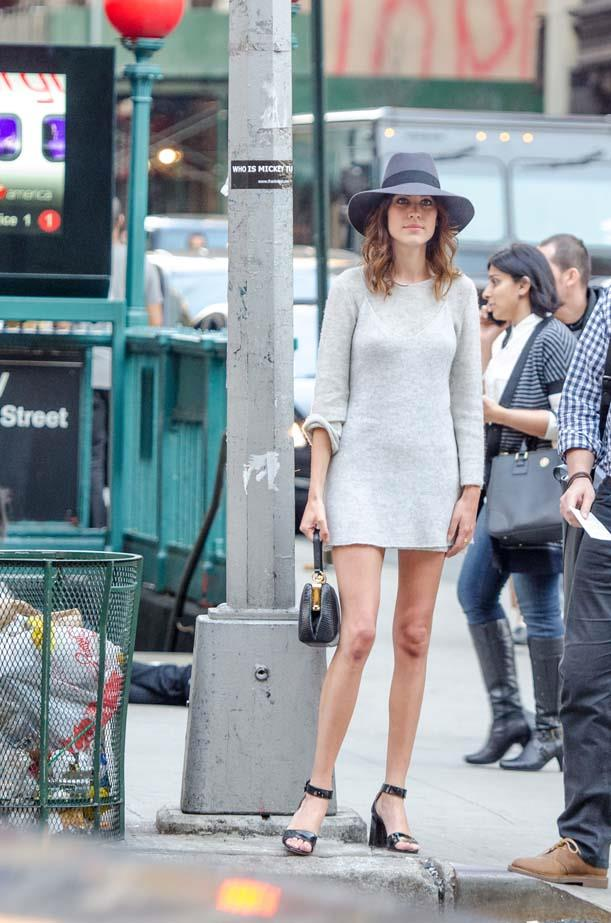 Alexa Chung walking by the New York subway looking every inch the New Yorker fashion girl.