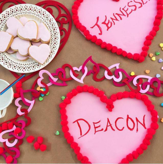 Reese Witherspoon got creative with her kids for V-Day.
