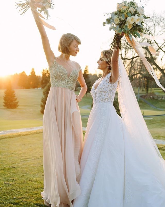 Trust Tay-Tay to knock the bridesmaid thing out of the park. The singer was Maid of Honour at her friend Brit Maack's wedding (whom she's known since she was 10 days old apparently!) and she wore an embellished blush pink dress with her new bangs swept to the side.