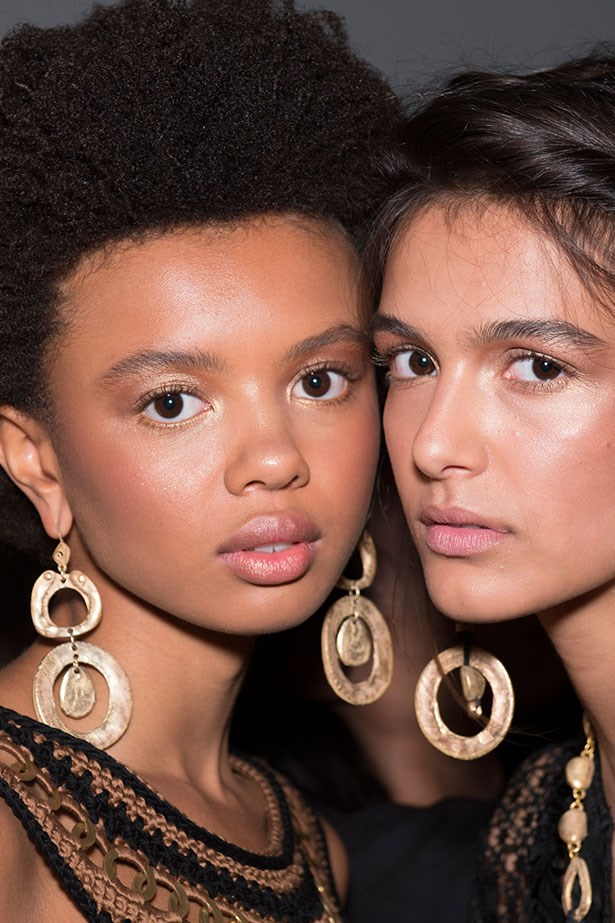 Trend: oversized earrings<p> <p> Inspiration: Alberta Ferretti SS16