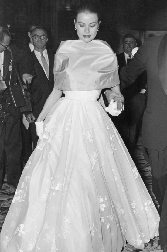 <strong>Grace Kelly</strong>, 1956 <br><br> <strong>Designer:</strong> Helen Rose <br> <strong>Why we love it:</strong> Nothing says 1950s glamour better than this gown donned by none other than Grace Kelly. No doubt one of the most perfect Oscar gowns.