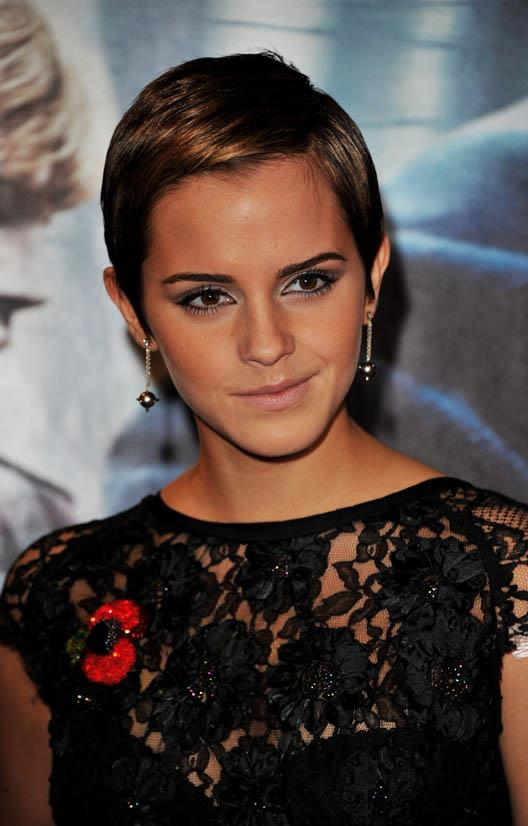 <strong>Emma Watson</strong> <br><br> Fashion, beauty and life in general muse Emma Watson showcased her new pixie cut at the world premiere of <em>Harry Potter and the Deathly Hallows: Part 1</em> in 2010 and it was a big moment. She was perfection (and still is of course).