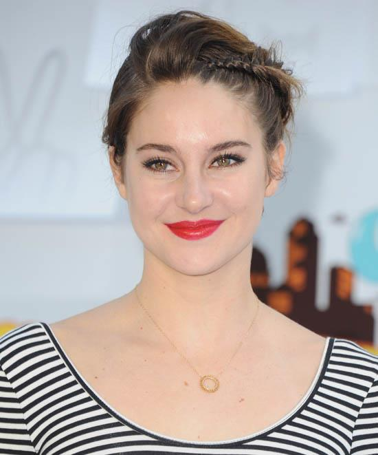<strong>Shailene Woodley</strong> <br><br> Shailene Woodley wears her pixie cut with a twist.