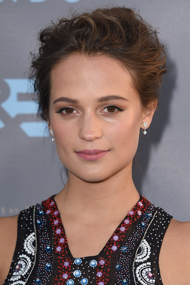 2016, Alicia is the picture of ethereal beauty with a sweep of winged liner and a romantic chignon at the <strong>21st Annual Critics' Choice Awards</strong>.