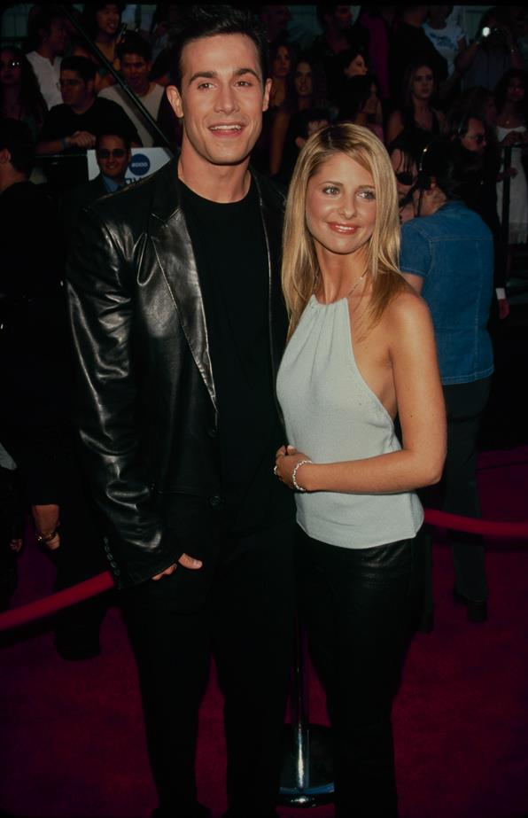 **Sarah Michelle Gellar and Freddie Prinze Jr** <br><br> Not surprisingly, Sarah Michelle and Freddie are only the second couple on our list that are still together. The pair share two kids, a last name (yep!) and a pretty strong relationship. Kudos.