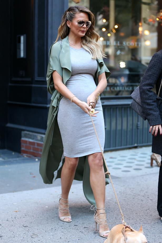 **First pregnancy:** <br><br>Out and about in New York city, 2016.