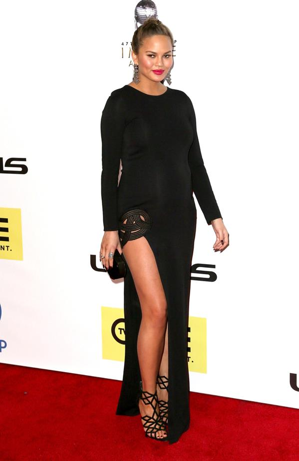 **First pregnancy:** <br><br>In patterned black at the NAACP Awards.
