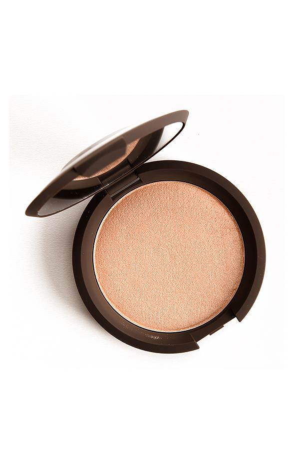<p> The Highlighter: BECCA x Jaclyn Hill Shimmering Skin Perfector in Champagne Pop. <p> <p> The rap: Originally a limited edition collaboration, BECCA has made this one a permanent feature on their roster because of how good it is. Think: a soft glow-y highlighter with a peachy undertone.<p>