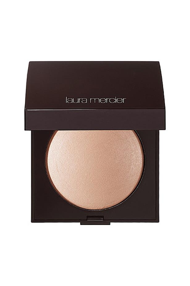 <p> The Highlighter: Laura Mercier Matte Radiance Baked Powder Highlighter.<p> <p> <p> The rap: Laura Mercier's product is all about radiance. Giving a diffused 'from within' glow, the pressed powder is a great everyday product for a natural 'no makeup' look.<p>